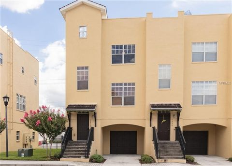 Photo of 5218 Olmstead Bay Pl, Tampa, FL 33611