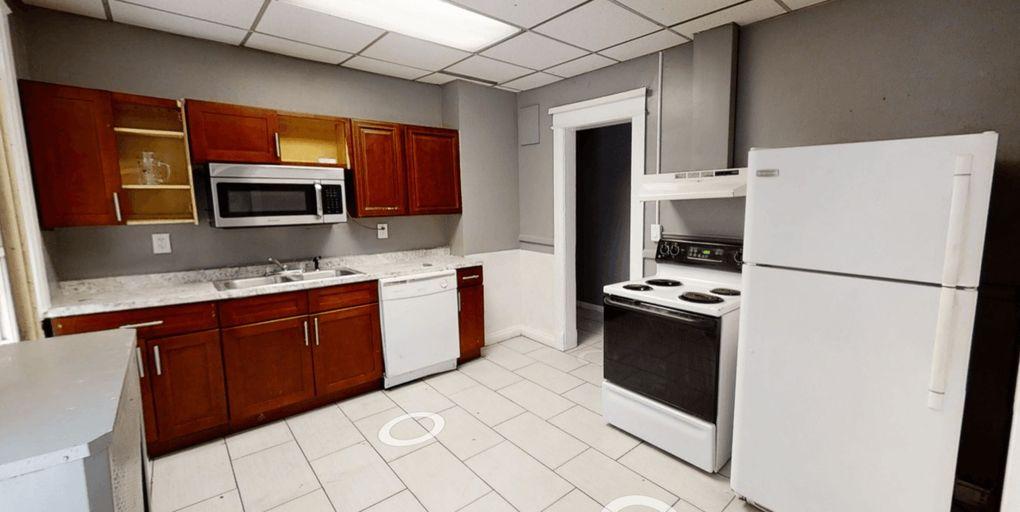 490 Hudson Ave Albany Ny 12203 Home For Rent Realtor Com