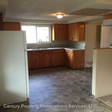 Photo of 106 Lincoln St, Medford, OR 97501