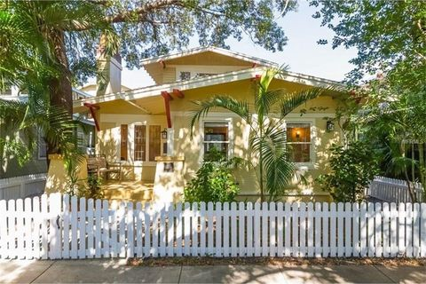 Photo of 707 S Bungalow Park Ter, Tampa, FL 33606