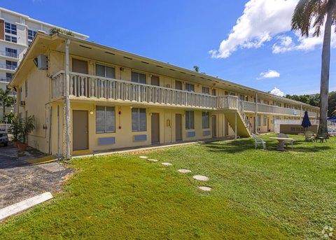 1160 NW North River Dr, Miami, FL 33136