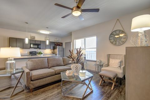 Photo of 650 S Main St, Fort Worth, TX 76104