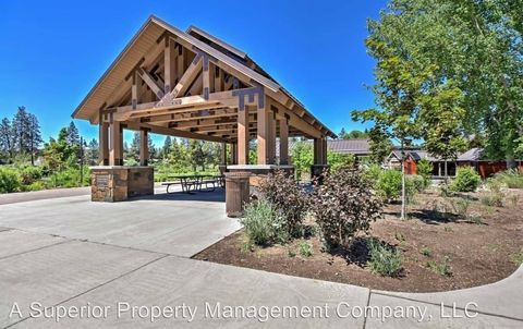 Photo of 97 Nw Jefferson Pl, Bend, OR 97703