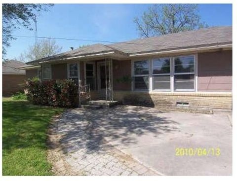 Photo of 1105 Fair Ave, Gainesville, TX 76240