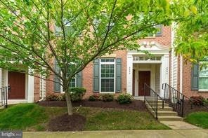 Photo of 2593 Eastbourne Dr, Woodbridge, VA 22191
