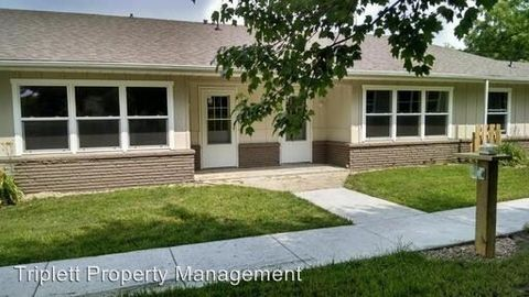 Photo of 303 S Center St, Zearing, IA 50278