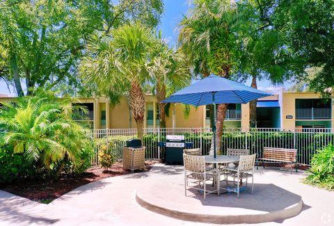 Photo of 11050 Le Jardin Cir, Tampa, FL 33617
