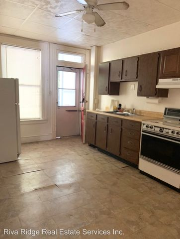 Photo of 554 Middle Ave Apt B, Wilmerding, PA 15148
