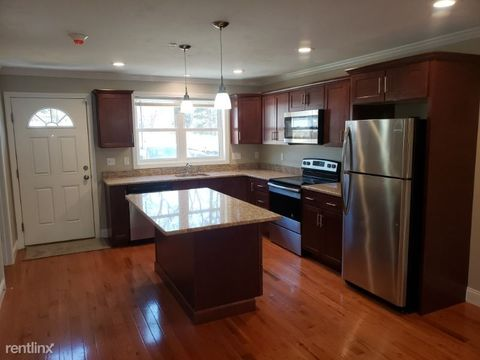 Photo of 5 Twin Ponds Dr Apt 5, Middleboro, MA 02346