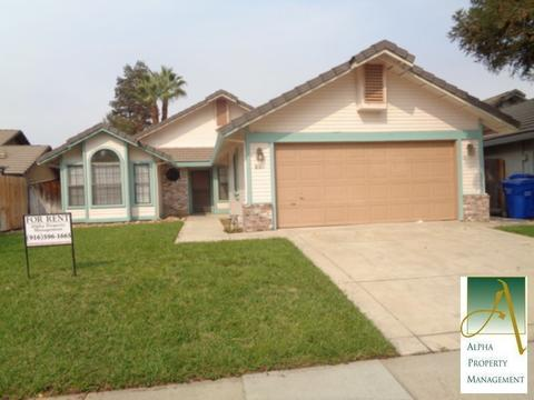 861 Cedar Canyon Cir, Galt, CA 95632
