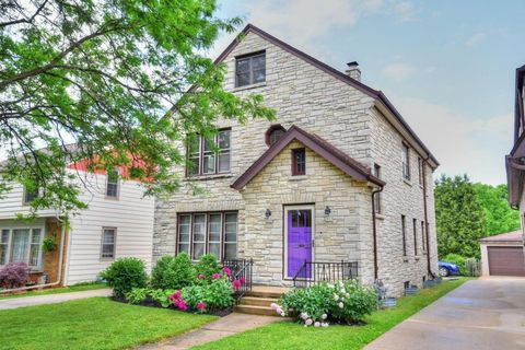 Photo of 2537 N 65th St, Wauwatosa, WI 53213