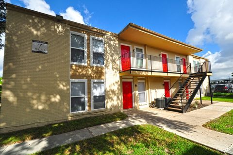 Photo of 3499 Evergreen Dr, Houston, TX 77087