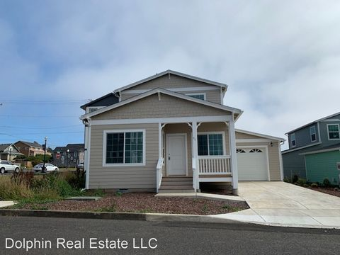 Photo of 711 Nw 1st St, Newport, OR 97365
