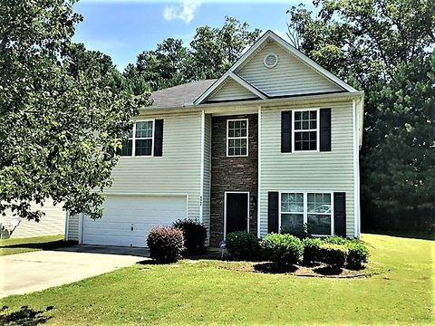 Photo of 5466 Rock Lake Dr, College Park, GA 30349