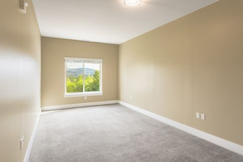 Photo of 2700 Nw Pine Cone Dr, Issaquah, WA 98027