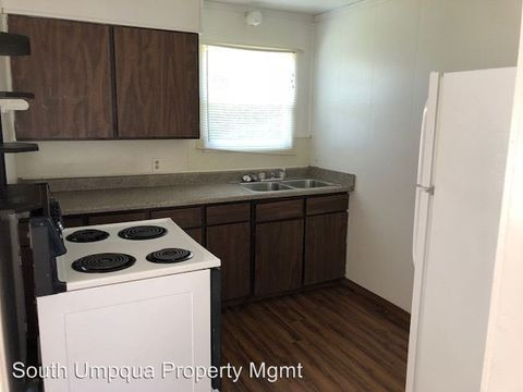 Photo of 172 Phillips St, Canyonville, OR 97417