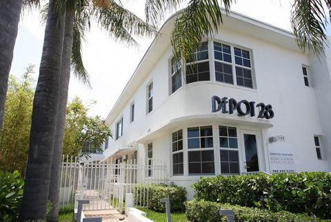 Photo of 2840 Pine Tree Dr, Miami Beach, FL 33140