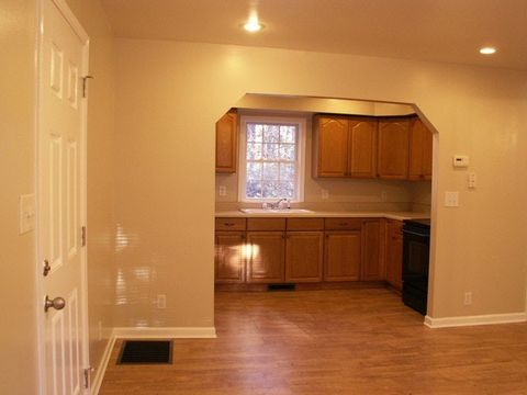 Photo of 213 Davis Rd Apt 2, Dawsonville, GA 30534