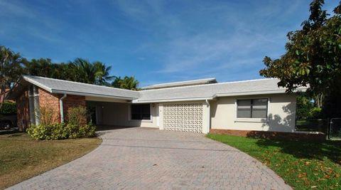 Photo of 7700 W Lake Dr, Lake Clarke Shores, FL 33406