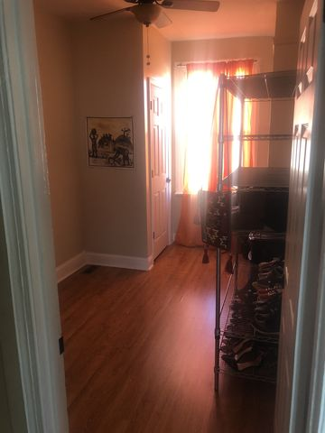 Photo of 1016 E 36th St Rm 3, Baltimore, MD 21218