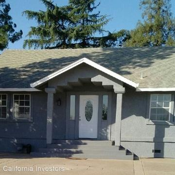 9675 Harvey Rd, Galt, CA 95632