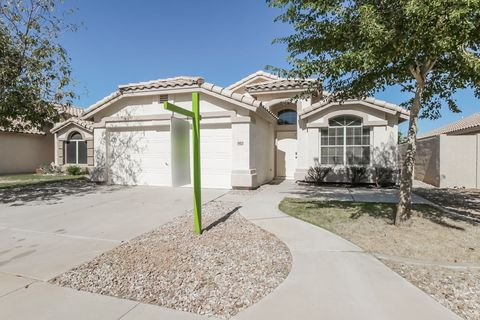 Photo of 902 E Constitution Dr, Chandler, AZ 85225