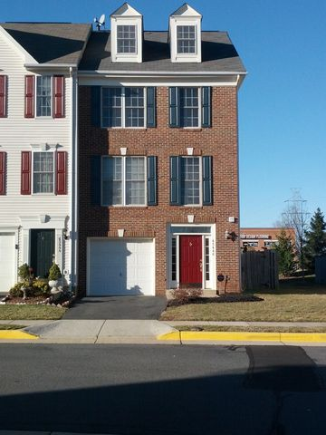 Photo of 45446 Timber Trail Sq, Sterling, VA 20164