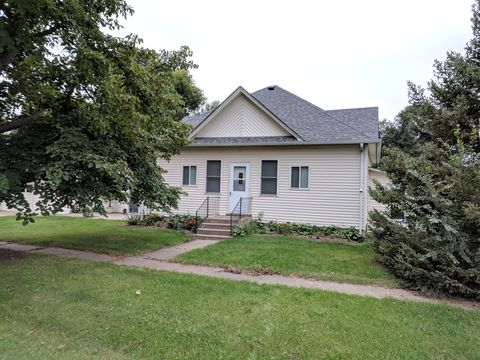 Photo of 311 S Sioux St, Iroquois, SD 57353
