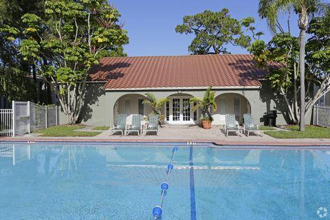Photo of 5719 Granada Dr, Sarasota, FL 34231