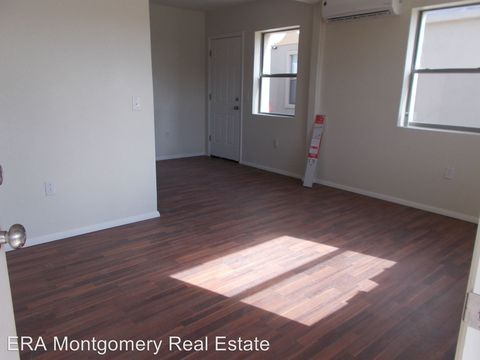 Photo of 504 W Tansill St, Carlsbad, NM 88220