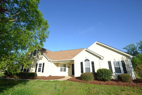 Photo of 130 Breakwater Way, Fayetteville, GA 30214