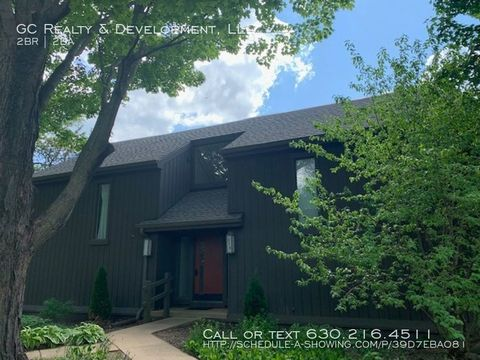 Photo of 279 Rolling Wood Ln Apt D, Lake Barrington, IL 60010