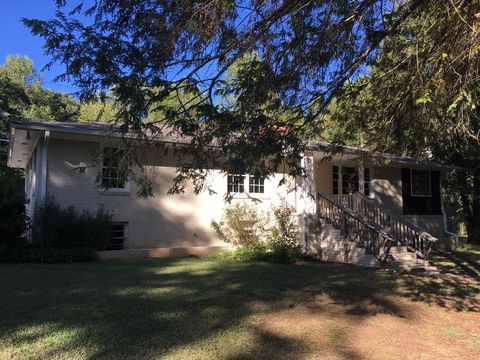 Photo of 2622 State Park Rd, Greenville, SC 29609