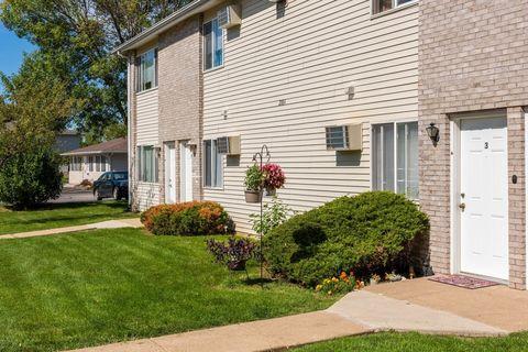 Photo of 2700 E 53rd St, Davenport, IA 52807