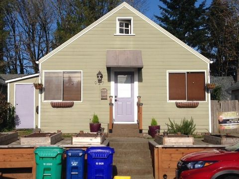 Photo of 927 Sw Gaines St, Portland, OR 97239