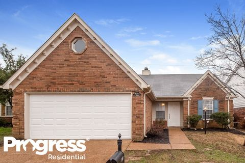 Photo of 8383 Palm Springs Dr, Cordova, TN 38016