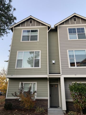 Photo of 9421 Sw 92nd Avenue Brownstone At The Sq, Tigard, OR 97223