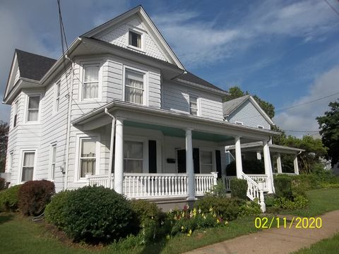 Photo of 410 East St, Bloomsburg, PA 17815