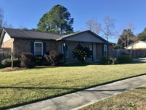 Photo of 8001 Coronet Dr, Pensacola, FL 32514