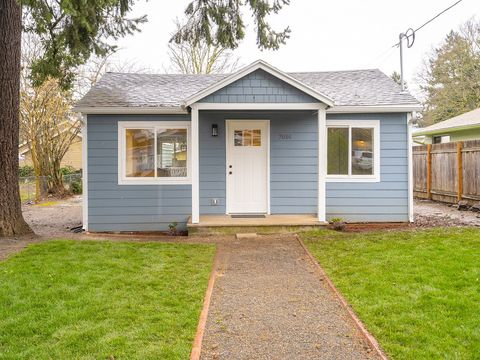 Photo of 7014 Se Fir Ave, Portland, OR 97206