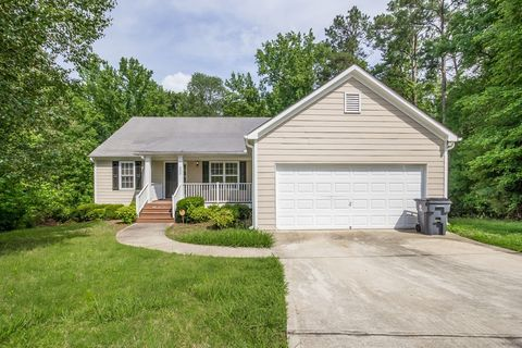 Photo of 332 Legend Creek Run, Douglasville, GA 30134