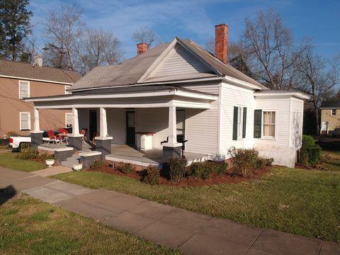 Photo of 142 E Montgomery St Apt B, Milledgeville, GA 31061