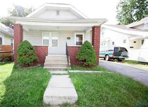 Photo of 4427 Fairview Dr, Toledo, OH 43612