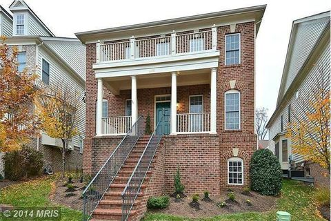 Photo of 2891 Swanee Ln, Fairfax, VA 22031