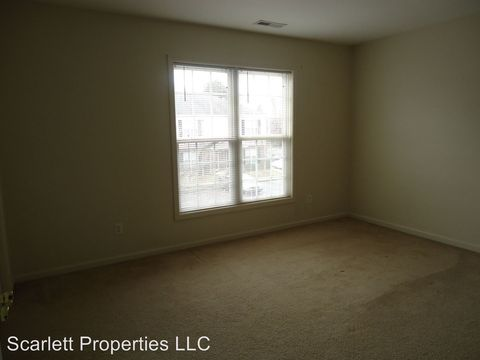 Photo of 1736 14th Street A Ln Ne # E, Hickory, NC 28601