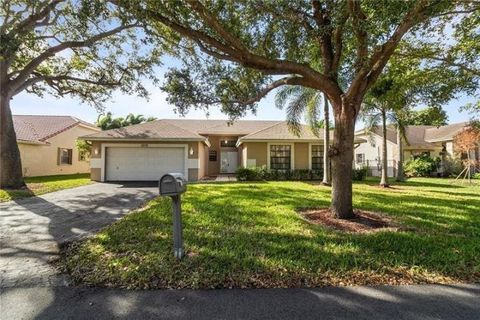 Photo of 5155 Nw 51st Ave, Coconut Creek, FL 33073