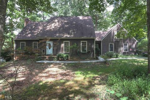 Photo of 671 Ginger Cake Rd, Fayetteville, GA 30214