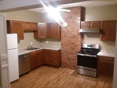 Photo of 711 Meigs Ave Apt 2, Jeffersonville, IN 47130