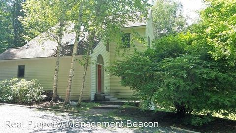 Photo of 2 Buskey Cir, Hanover, NH 03755