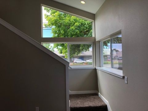 Photo of 2747 Pacific Ave, Forest Grove, OR 97116